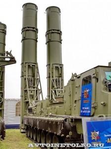 пуско-заряжающая установка 9А84МЭ с ракетами 9М82МЭ комплекса С-300ВМ Антей-250 на Авиасалоне МАКС-2013 - 3