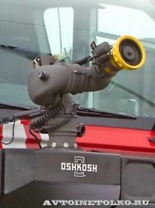 новый аэродромный пожарный автомобиль Oshkosh Striker 3000 для Внуковского аэропорта на авиасалоне МАКС-2013 - 16