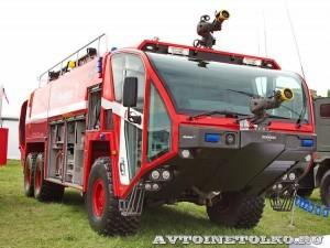 новый аэродромный пожарный автомобиль Oshkosh Striker 3000 для Внуковского аэропорта на авиасалоне МАКС-2013 - 41