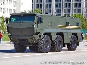 Бронеавтомобиль КамАЗ-63968 Тайфун-К на параде 9 мая 2014 года в Москве - 1
