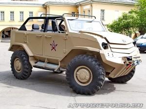 Бронеавтомобиль Торос командирский на выставке Промышленный дизайн оборонной продукции - 1