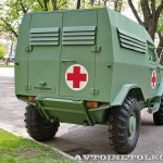 Бронеавтомобиль Торос санитарный на выставке Промышленный дизайн оборонной продукции - 4