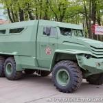 Бронированный автомобиль Колун 6х6 с закрытым 16-местным кузовом на выставке Промышленный дизайн оборонной продукции - 8