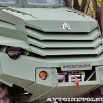Бронированный автомобиль Колун 6х6 с закрытым 16-местным кузовом на выставке Промышленный дизайн оборонной продукции - 9