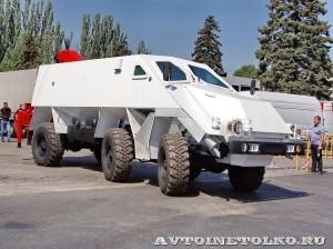 машина разминирования Искатель на салоне Комплексная Безопасность 2014 - 17