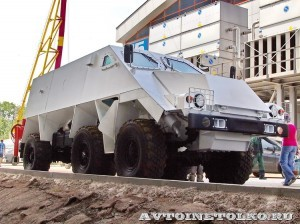 машина разминирования Искатель на салоне Комплексная Безопасность 2014 - 29