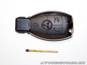 фирменная флешка компании Mercedes-Benz-1