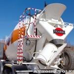 Автобетоносмеситель Tigarbo на шасси IVECO Trakker 8x4 на тест-драйве нового IVECO Trakker полигон НАМИ 2014 - 4