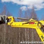 экскаватор-погрузчик New Holland B115B на тест-драйве нового IVECO Trakker полигон НАМИ 2014 - 3