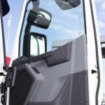 Магистральный седельный тягач Renault T460 с полуприцепом-шторником Schmitz Cargobullна презентации R-EVOLUTION 2014 - 7