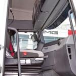Магистральный седельный тягач Renault T460 с полуприцепом-шторником Schmitz Cargobullна презентации R-EVOLUTION 2014 - 8