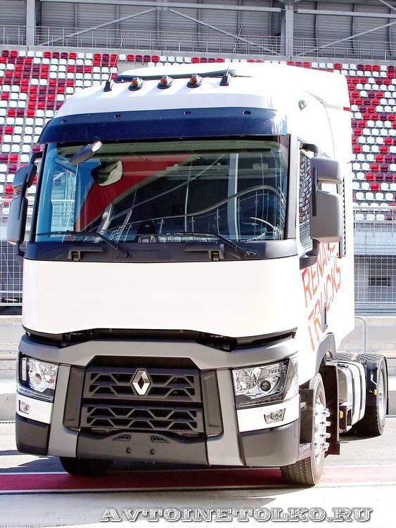 Магистральный седельный тягач Renault T460 lна презентации R-EVOLUTION 2014 - 14