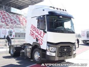 Магистральный седельный тягач Renault T460 на презентации R-EVOLUTION 2014 - 14
