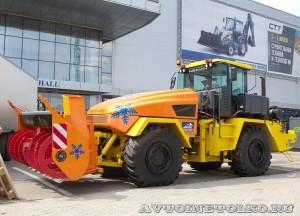 фрезерно-роторный снегоочиститель Overaasen TV-360H на базе тягача К-708 на выставке СТТ-2014 -