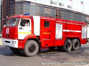 пожарная автоцистерна АЦ-8-40 Техинком на салоне Комплексная Безопасность 2014 - 1
