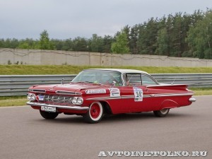 Chevrolet Impala 2-Door Coupe 1960 на ралли Bosch Moskau Klassik 2014 - 3