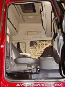 Магистральный тягач Hyundai Xcient P410 4x2 на выставке COMTRANS-13 - 2