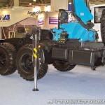 седельный тягач Урал 44202-3511-82М с краном-манипулятором Инман ИМ-320 УралСпецТранс на выставке СТТ-2014 - 3