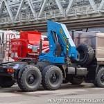 седельный тягач Урал 44202-3511-82М с краном-манипулятором Инман ИМ-320 УралСпецТранс на выставке СТТ-2014 - 6