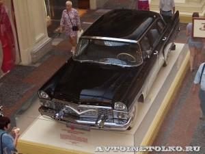 ГАЗ-13 Чайка на выставке Gorkyclassic в ГУМе 2014 - 8629