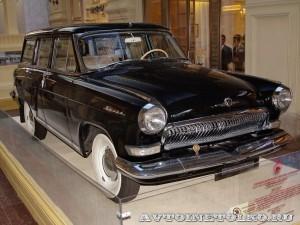 ГАЗ-22 Волга на выставке Gorkyclassic в ГУМе 2014 - 8689