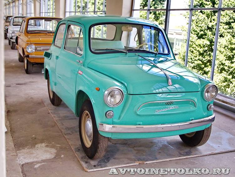 ЗАЗ 965 на выставке 90 лет советскому автопрому на ВДНХ - 4251