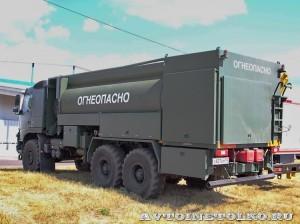 Автотопливозаправщик АТЗ-12-FMX400 ЗАО ЗСТ на выставке Оборонэкспо форума ТВМ 2014 - 6281