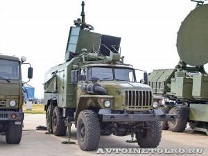 Аппаратная машина комплекса радиотехнической разведки 1Л222 Автобаза КРЭТ на выставке Оборонэкспо форума ТВМ 2014 - 6894