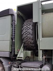 Автотопливозаправщик АТЗ-12-FMX400 ЗАО ЗСТ на выставке Оборонэкспо форума ТВМ 2014 - 7272