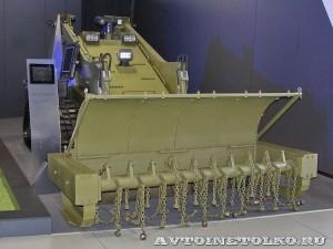 роботизированный комплекс АНТ-1000Р на базе погрузчика КЭМЗ-1000 на выставке Оборонэкспо форума ТВМ 2014 - 7372