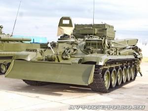 ремонтно-эвакуационная машина БРЭМ-1 на выставке Оборонэкспо форума ТВМ 2014 - 7966
