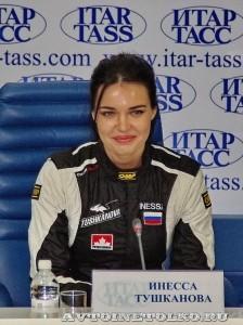 Инесса Тушканова на пресс-конференции вто-авиа шоу Форсаж 2014 - 1