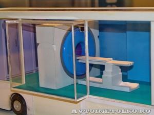 Модель Мобильного комплекса компьютерной томографии (КТ) НПО Мобильные Клиники а выставке Здравоохранение 2014 img_6761