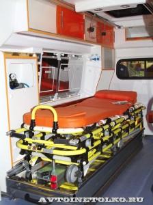 автомобиль скорой помощи класс В на базе ГАЗ-27527 Соболь 4х4 Промышленные Технологии на выставке Здравоохранение 2014 img_6779