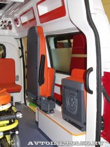 автомобиль скорой помощи класс В на базе ГАЗ-27527 Соболь 4х4 Промышленные Технологии на выставке Здравоохранение 2014 img_6784