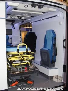 автомобиль скорой помощи класс В на базе Ford Transit  Промышленные Технологии на выставке Здравоохранение 2014 img_6798