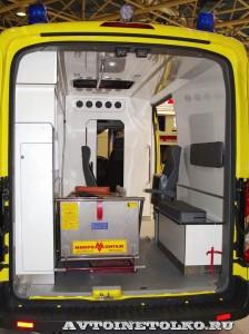 автомобиль скорой помощи класс В на базе Ford Transit ООО Автодом на выставке Здравоохранение 2014 img_6818