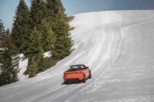 rr_evq_convertible_driving_snow091115_07_121381
