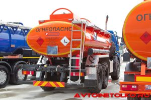 Бензовоз Сеспель АЦ-465115-12 на шасси КАМАЗ-43118 на выставке Демострой 201