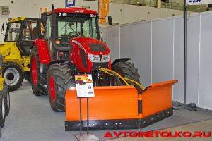 Трактор Ant-Zetor-4135F с коммунальным отвалом на выставке Демострой 2018