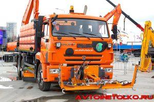 Комбинированная дорожная машина Меркатор ЭД-500К на выставке Демострой 2018