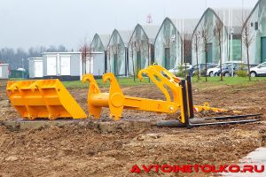 Фронтальный погрузчик Амкодор 334С на выставке Демострой 2018