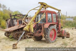 Бурильно-крановая машина БМ-205 в карьере №12 АО Кварцит в Воскресенском районе